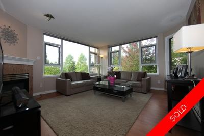 Edmonds BE Condo for sale:  2 bedroom 1,030 sq.ft. (Listed 2014-10-17)
